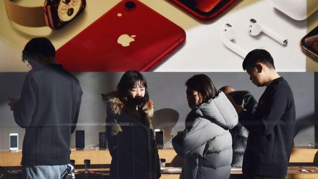 """Apple vừa mất toi 55 tỷ USD chỉ vì CEO trót thật thà """"cái mồm hại cái thân"""" - Ảnh 1."""