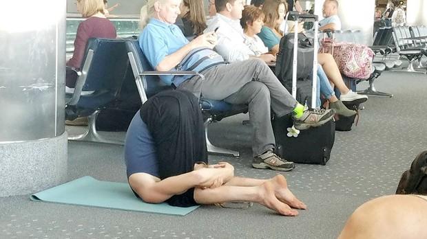 Chùm ảnh chứng minh: Sân bay là nơi hài hước nhất cũng là nơi cảm động nhất thế gian - Ảnh 16.