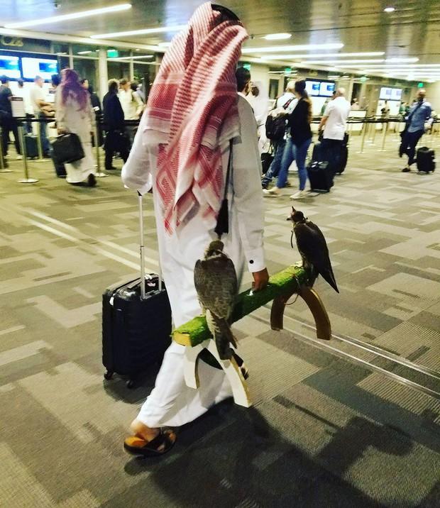 Chùm ảnh chứng minh: Sân bay là nơi hài hước nhất cũng là nơi cảm động nhất thế gian - Ảnh 2.