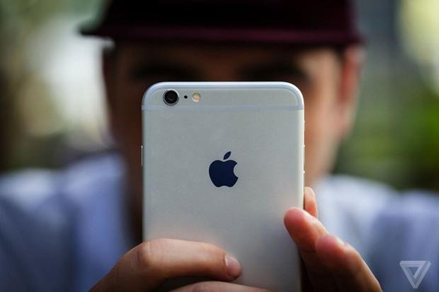 Apple nói chính chi phí thay pin rẻ đã làm doanh số iPhone suy giảm - Ảnh 1.