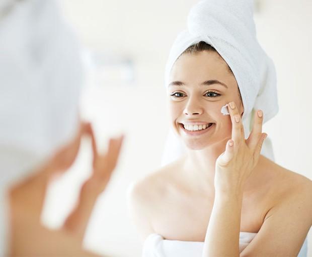 Những thói quen khi ngủ khiến làn da của bạn trở nên xấu xí - Ảnh 3.