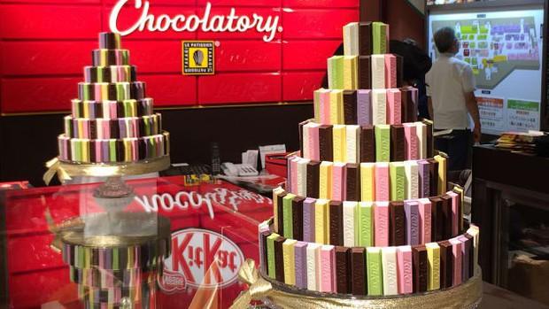 Đây là lý do vì sao bánh Kit Kat tuy ra đời ở Anh nhưng lại cực kỳ nổi tiếng tại Nhật Bản - Ảnh 1.