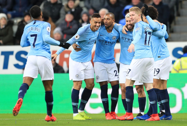 Đương kim vô địch Ngoại hạng Anh thua sốc đối thủ nhóm cuối bảng, công sức bám đuổi đội dẫn đầu dần biến thành công cốc - Ảnh 3.