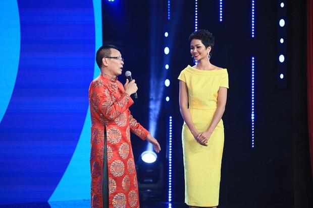 HHen Niê hé lộ cách đối phó khi không hiểu tiếng Anh tại Hoa hậu Hoàn vũ Thế giới - Ảnh 3.