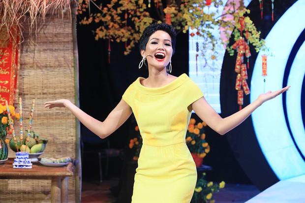 HHen Niê hé lộ cách đối phó khi không hiểu tiếng Anh tại Hoa hậu Hoàn vũ Thế giới - Ảnh 4.