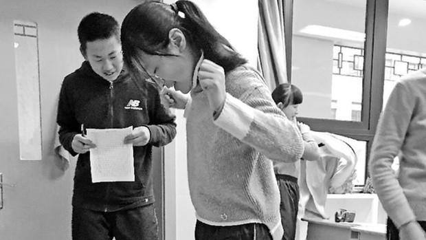 Trung Quốc: Trường học dọa phạt bất kì trò nào tăng cân do ăn Tết - Ảnh 1.