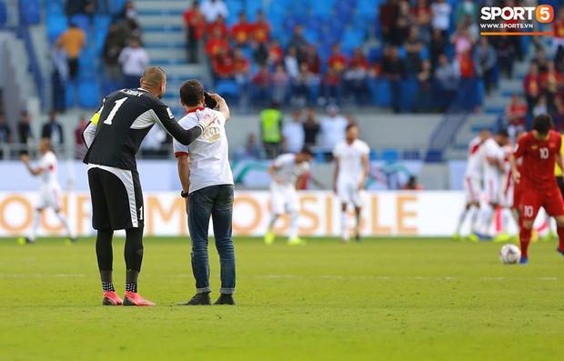Đội tuyển Jordan bị phạt hơn 220 triệu đồng, trợ lý HLV nhận án cấm 2 trận sau màn so tài với Việt Nam tại Asian Cup - Ảnh 1.