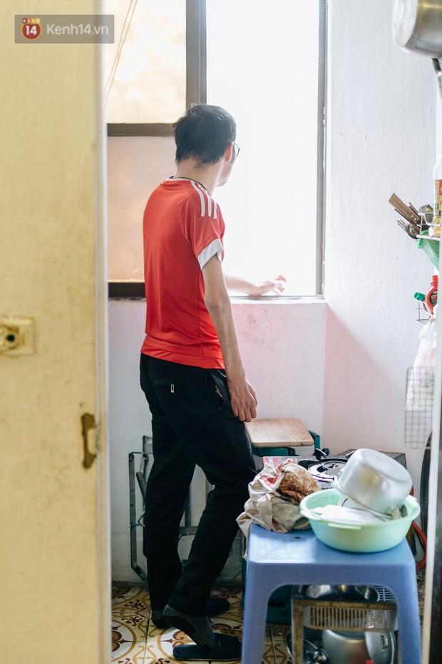 Anh shipper với 1.300 đơn hàng giao bằng một tay ở Hà Nội: Hôm nay mệt có thể ngủ một giấc, mai cố gắng tiếp! - Ảnh 1.