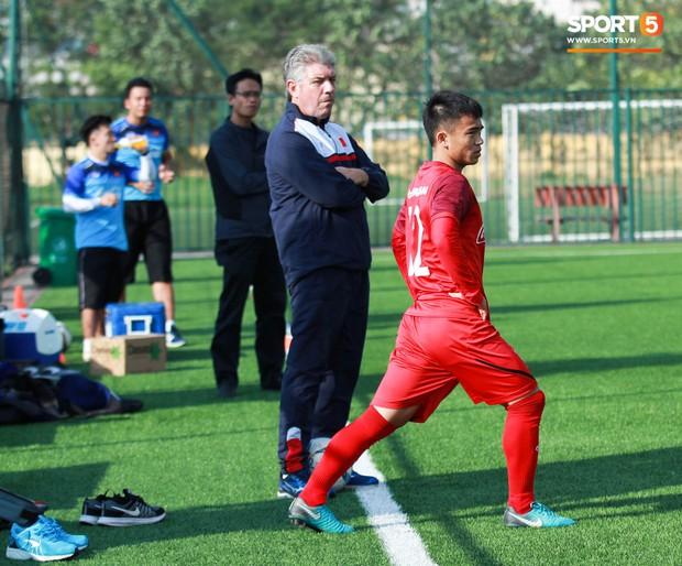 Đội tuyển U22 Việt Nam thích thú với cuộc thi tâng bóng của ban huấn luyện - Ảnh 9.