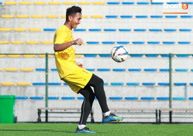 Đội tuyển U22 Việt Nam thích thú với cuộc thi tâng bóng của ban huấn luyện - Ảnh 4.