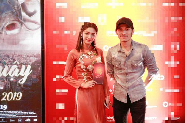 Lâm Vỹ Dạ và các con đến ủng hộ ông xã Hứa Minh Đạt trong buổi ra mắt phim Táo Quậy - Ảnh 7.