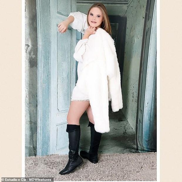 Câu chuyện kỳ diệu của người mẫu 15 tuổi mắc hội chứng Down với 50 nghìn lượt follow trên Instagram - Ảnh 3.