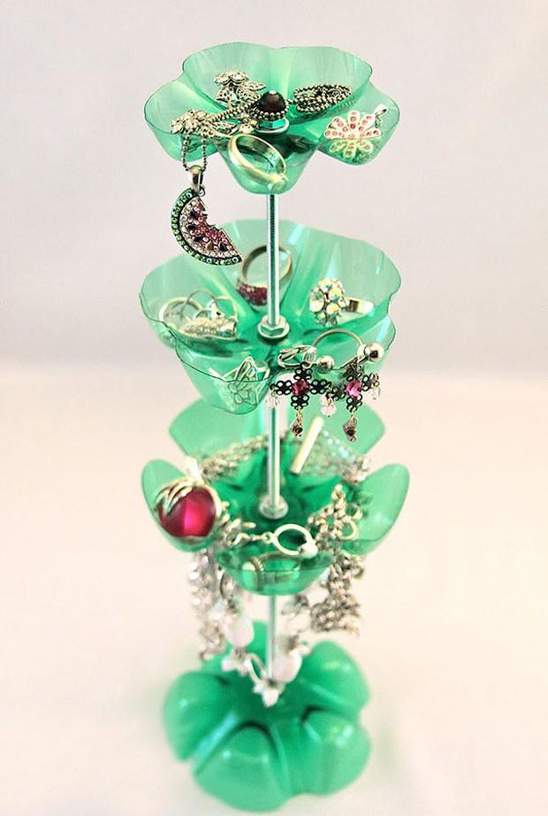 Học ngay 14 mẹo tái chế đồ cũ cực sáng tạo để sống xanh khi ra Tết - Ảnh 8.