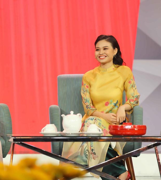 Lê Giang rơi nước mắt trên sân khấu Tết cùng 2 con - Ảnh 6.