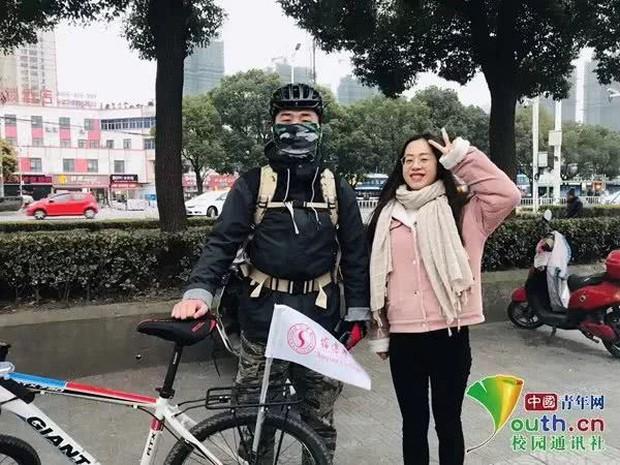 Sợ cảnh chen chúc tàu xe, nam sinh đạp xe 500km, đi hết 7 ngày để về nhà ăn Tết - Ảnh 3.