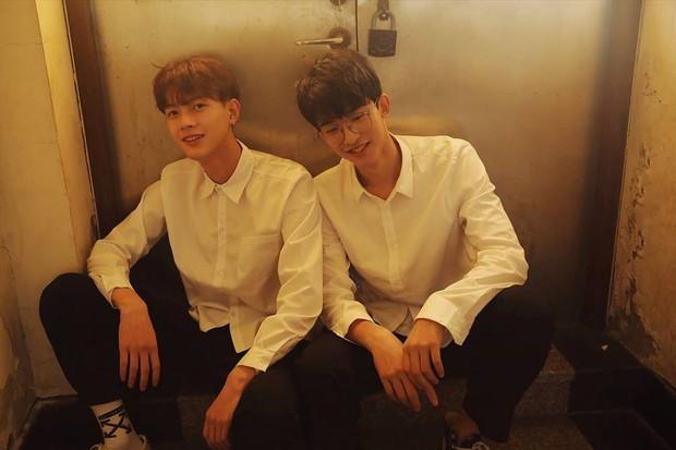 Hai hot boy Trung Quốc khoe bộ ảnh đậm mùi chemistry làm dân tình thi nhau đẩy thuyền - Ảnh 14.