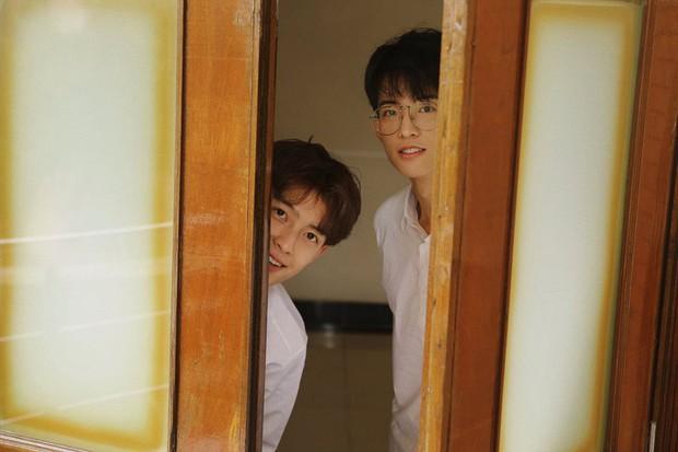 Hai hot boy Trung Quốc khoe bộ ảnh đậm mùi chemistry làm dân tình thi nhau đẩy thuyền - Ảnh 15.