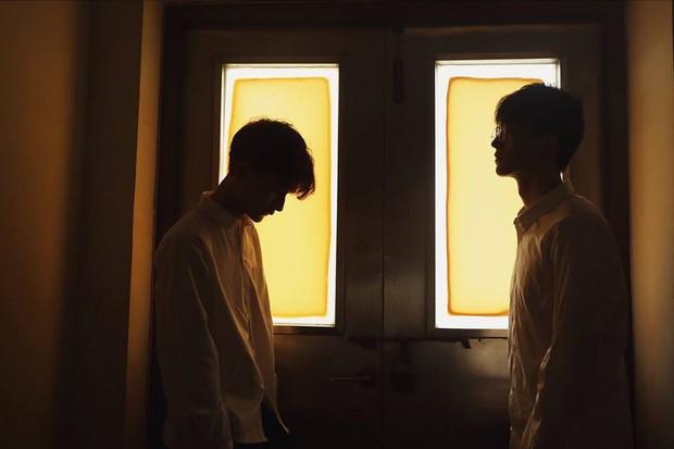 Hai hot boy Trung Quốc khoe bộ ảnh đậm mùi chemistry làm dân tình thi nhau đẩy thuyền - Ảnh 10.