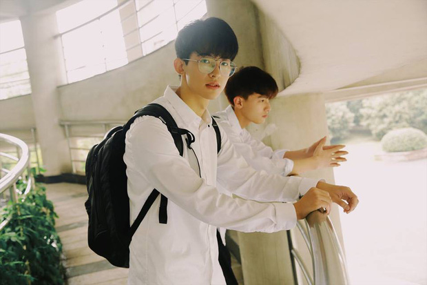 Hai hot boy Trung Quốc khoe bộ ảnh đậm mùi chemistry làm dân tình thi nhau đẩy thuyền - Ảnh 2.
