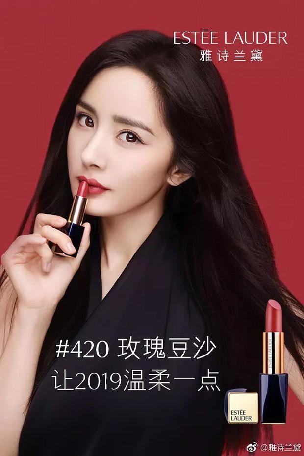 """Không phải Phạm Băng Băng – Angela Baby, ca sĩ """"nam tính"""" này mới là mỹ nhân khí chất nhất khi quảng cáo son môi được netizen gọi tên - Ảnh 4."""