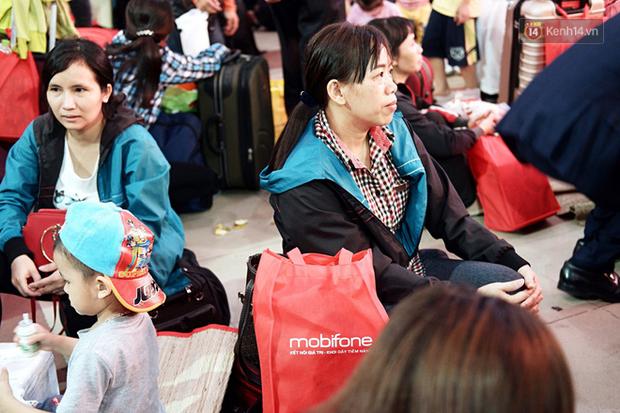 Những nụ cười ở ga Sài Gòn ngày giáp Tết: Trở về sau hơn 19 năm bôn ba nơi xứ người - Ảnh 5.