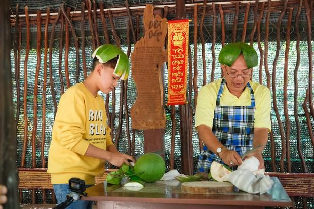 Phi Nhung cùng con nuôi Hồ Văn Cường hào hứng chơi lô tô ngày Tết - Ảnh 7.
