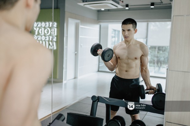 Sao & Gym: Điều chưa bao giờ tiết lộ về cách tập luyện của Quốc Thiên, giúp anh lọt top mỹ nam sở hữu body cực phẩm Vbiz! - Ảnh 2.
