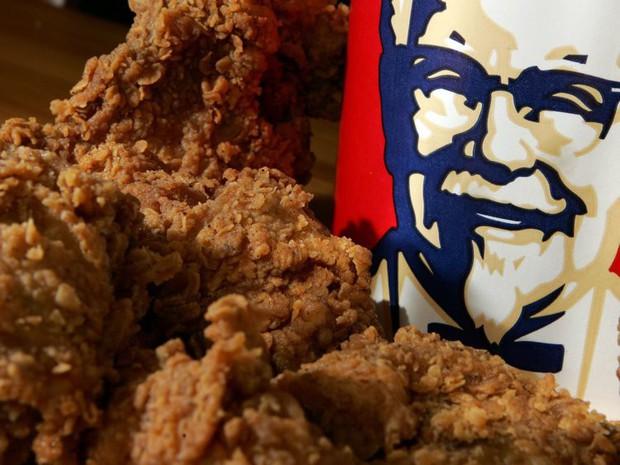 KFC ra mắt loại sandwich mới kẹp toàn gà rán và bim bim Cheetos - Ảnh 3.