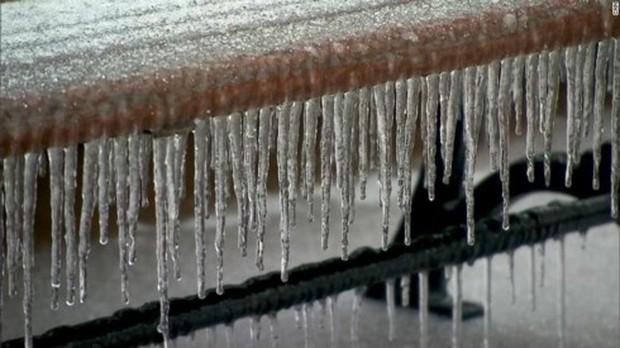 Số người chết do giá lạnh tiếp tục gia tăng ở Mỹ - Ảnh 1.