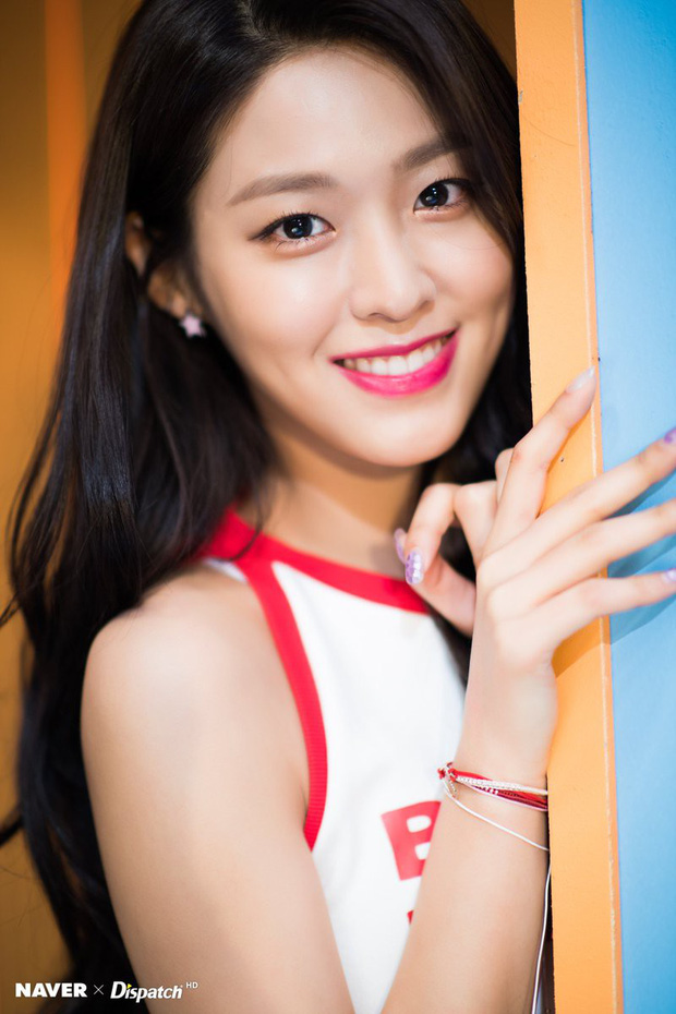 21 idol Hàn may mắn sở hữu lúm đồng tiền duyên hết phần thiên hạ: Người thêm xinh, người nâng tầm nhan sắc - Ảnh 35.