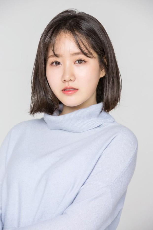 Bị nghi dao kéo, sao nhí xấc láo nhất Gia đình là số 1 Jin Ji Hee đáp trả như thế nào mà lên luôn top Naver? - Ảnh 5.