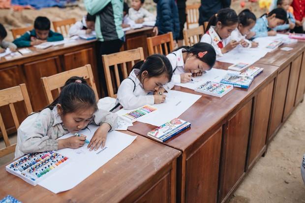 Trẻ em Tri Lễ vẽ nên ngàn ước mơ giữa núi rừng - Ảnh 2.