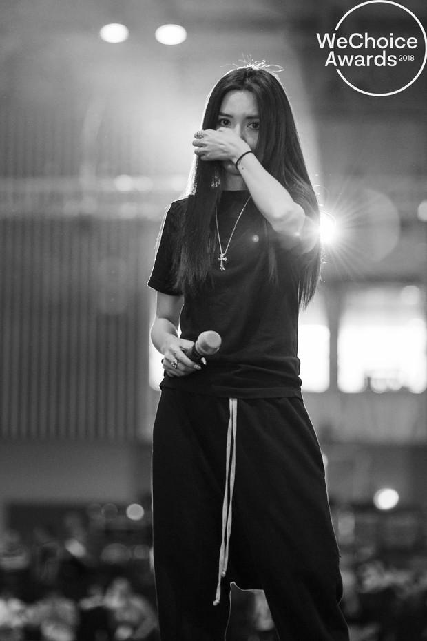 Trước giờ G, ngắm loạt khoảnh khắc đầy cảm xúc của dàn nghệ sĩ tại buổi tổng duyệt Gala Wechoice Awards 2018 - Ảnh 13.
