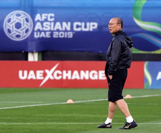Văn Toàn, Duy Mạnh cười đùa rạng rỡ trước ngày khai mạc Asian Cup 2019 - Ảnh 11.