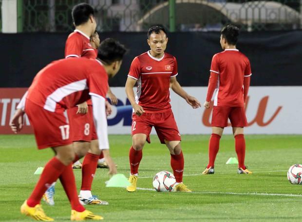Văn Toàn, Duy Mạnh cười đùa rạng rỡ trước ngày khai mạc Asian Cup 2019 - Ảnh 9.