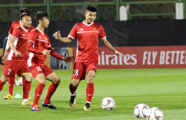Văn Toàn, Duy Mạnh cười đùa rạng rỡ trước ngày khai mạc Asian Cup 2019 - Ảnh 10.