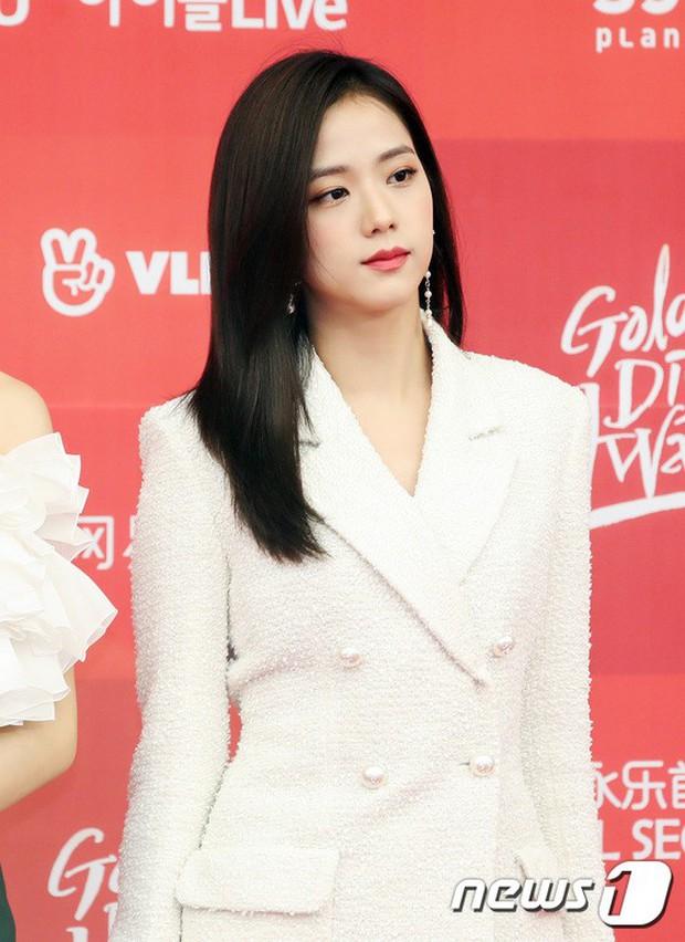 Thảm đỏ Grammy Hàn Quốc: Jennie lột xác nhưng suýt vồ ếch, mỹ nhân Black Pink lấn át cả Park Min Young và dàn idol - Ảnh 12.