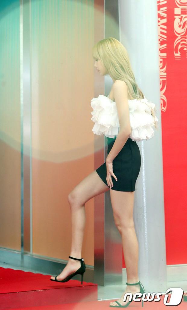 Thảm đỏ Grammy Hàn Quốc: Jennie lột xác nhưng suýt vồ ếch, mỹ nhân Black Pink lấn át cả Park Min Young và dàn idol - Ảnh 8.