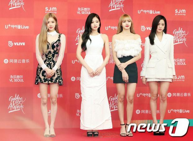 Thảm đỏ Grammy Hàn Quốc: Jennie lột xác nhưng suýt vồ ếch, mỹ nhân Black Pink lấn át cả Park Min Young và dàn idol - Ảnh 6.