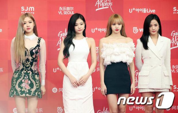Thảm đỏ Grammy Hàn Quốc: Jennie lột xác nhưng suýt vồ ếch, mỹ nhân Black Pink lấn át cả Park Min Young và dàn idol - Ảnh 7.