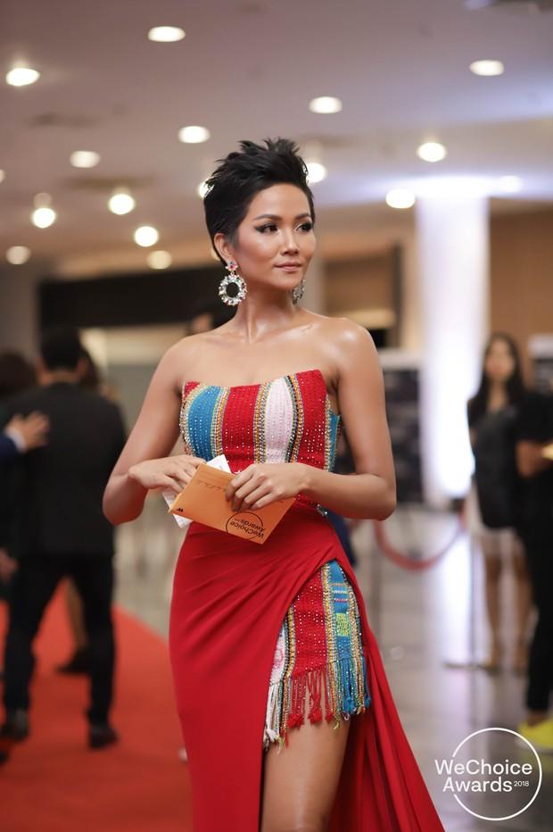 Màn đọ sắc cực gắt của dàn Hoa hậu đình đám nhất Vbiz trên thảm đỏ WeChoice: Sang chảnh và đỉnh cao là đây! - Ảnh 2.