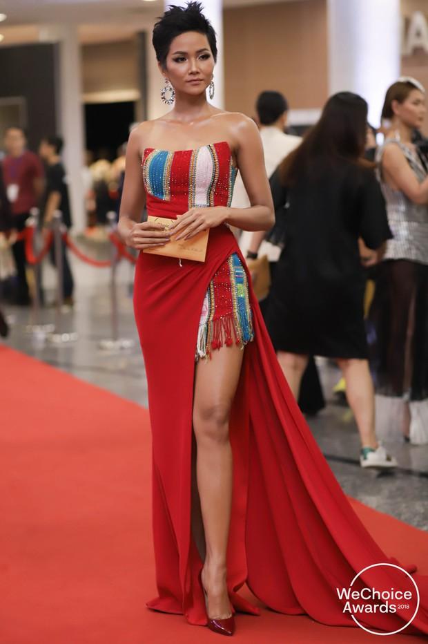Màn đọ sắc cực gắt của dàn Hoa hậu đình đám nhất Vbiz trên thảm đỏ WeChoice: Sang chảnh và đỉnh cao là đây! - Ảnh 1.