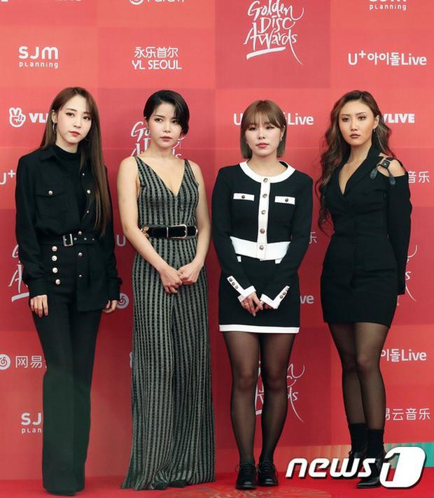 Thảm đỏ Grammy Hàn Quốc: Jennie lột xác nhưng suýt vồ ếch, mỹ nhân Black Pink lấn át cả Park Min Young và dàn idol - Ảnh 30.