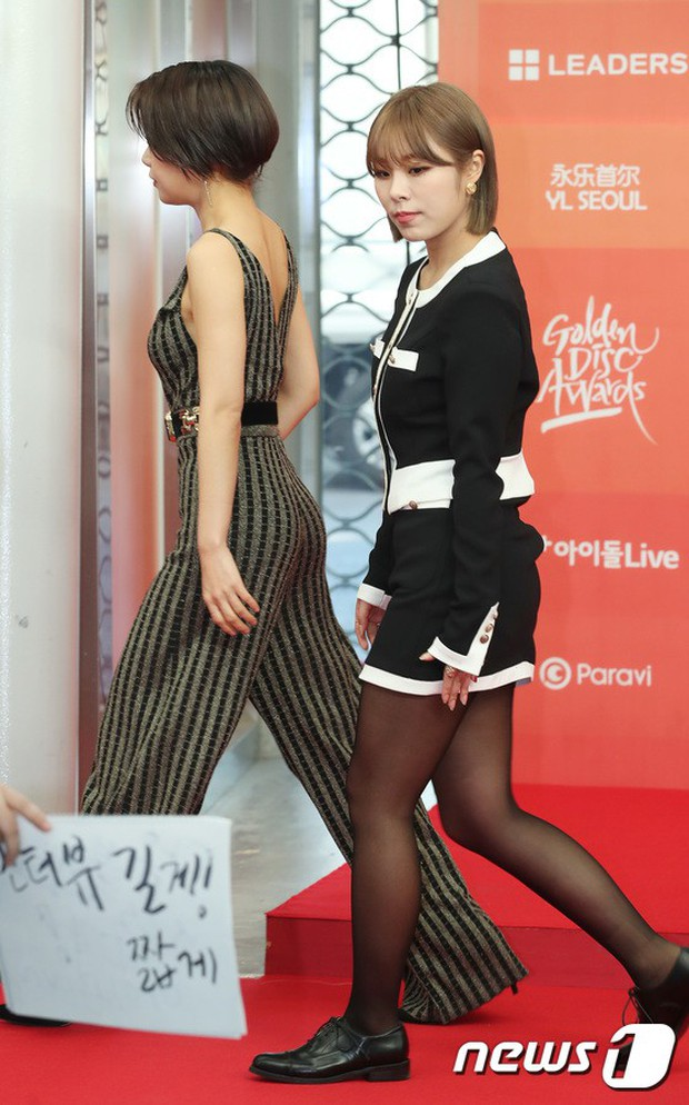 Thảm đỏ Grammy Hàn Quốc: Jennie lột xác nhưng suýt vồ ếch, mỹ nhân Black Pink lấn át cả Park Min Young và dàn idol - Ảnh 28.
