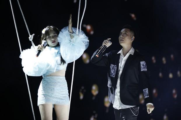HOT: Phương Ly debut bài mới toanh cực đáng yêu trên sân khấu Gala WeChoice Awards 2018 - Ảnh 4.