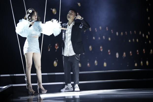 HOT: Phương Ly debut bài mới toanh cực đáng yêu trên sân khấu Gala WeChoice Awards 2018 - Ảnh 3.