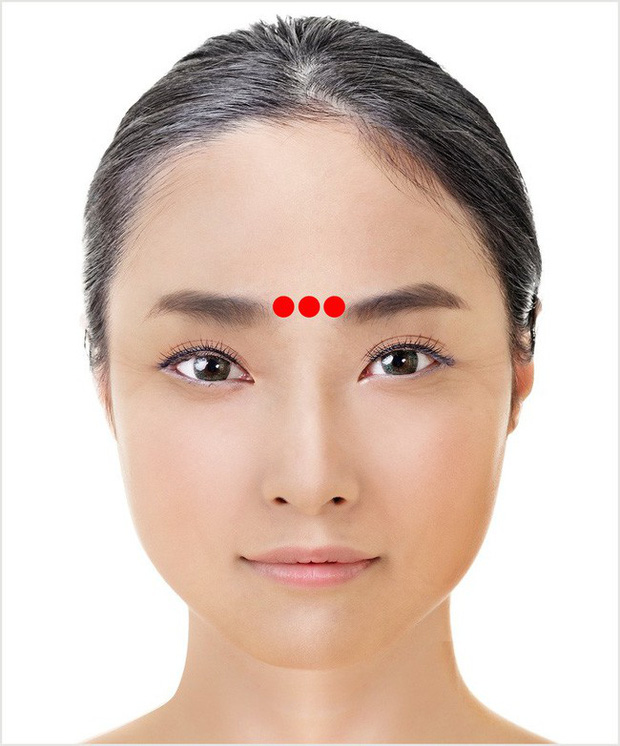 Đây là kỹ thuật massage 1 phút tuyệt vời của Nhật Bản giúp cho đôi mắt của bạn trông trẻ hơn vài tuổi - Ảnh 6.