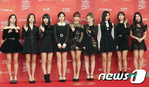 Thảm đỏ Grammy Hàn Quốc: Jennie lột xác nhưng suýt vồ ếch, mỹ nhân Black Pink lấn át cả Park Min Young và dàn idol - Ảnh 20.