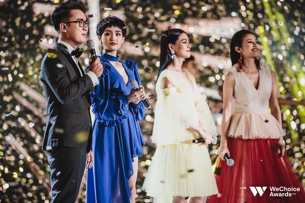 Khán giả nhún nhảy, hát theo cùng Hiền Hồ, Bùi Lan Hương trong ca khúc linh hồn của WeChoice Awards - Ảnh 6.