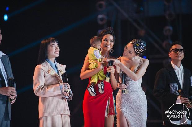 Những khoảnh khắc đáng nhớ nhất trên sân khấu Gala WeChoice Awards 2018 - Ảnh 7.